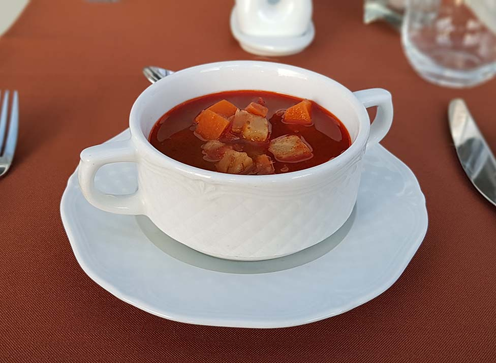 Vegetarian gulash soup
