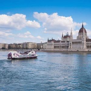 sightseeing budapest cruise