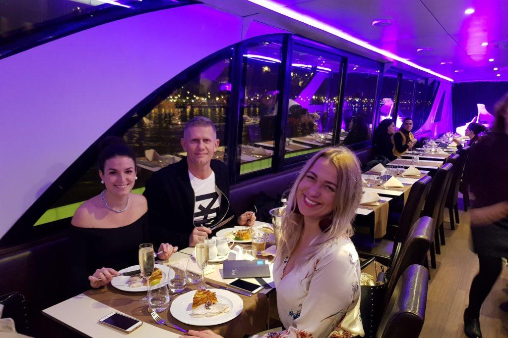 Schifffahrt mit Abendessen