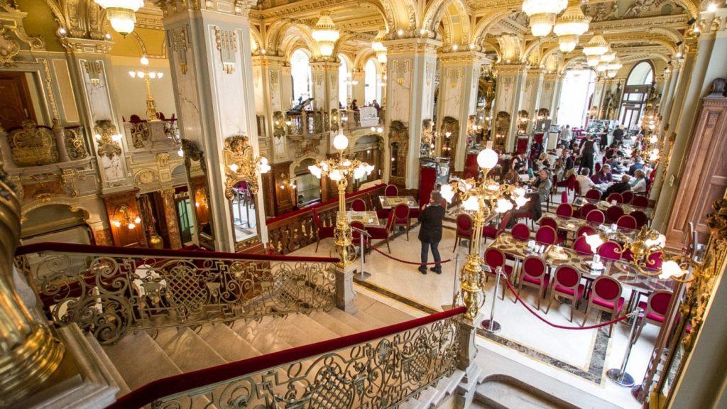Parlament inside