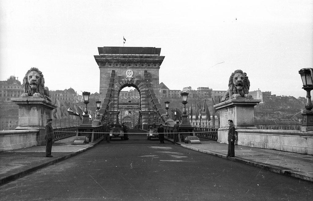 Széchenyi Chain Bridge Old photo