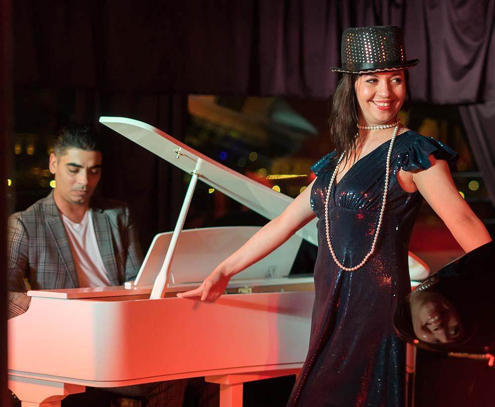 hajós vacsora és zongora show