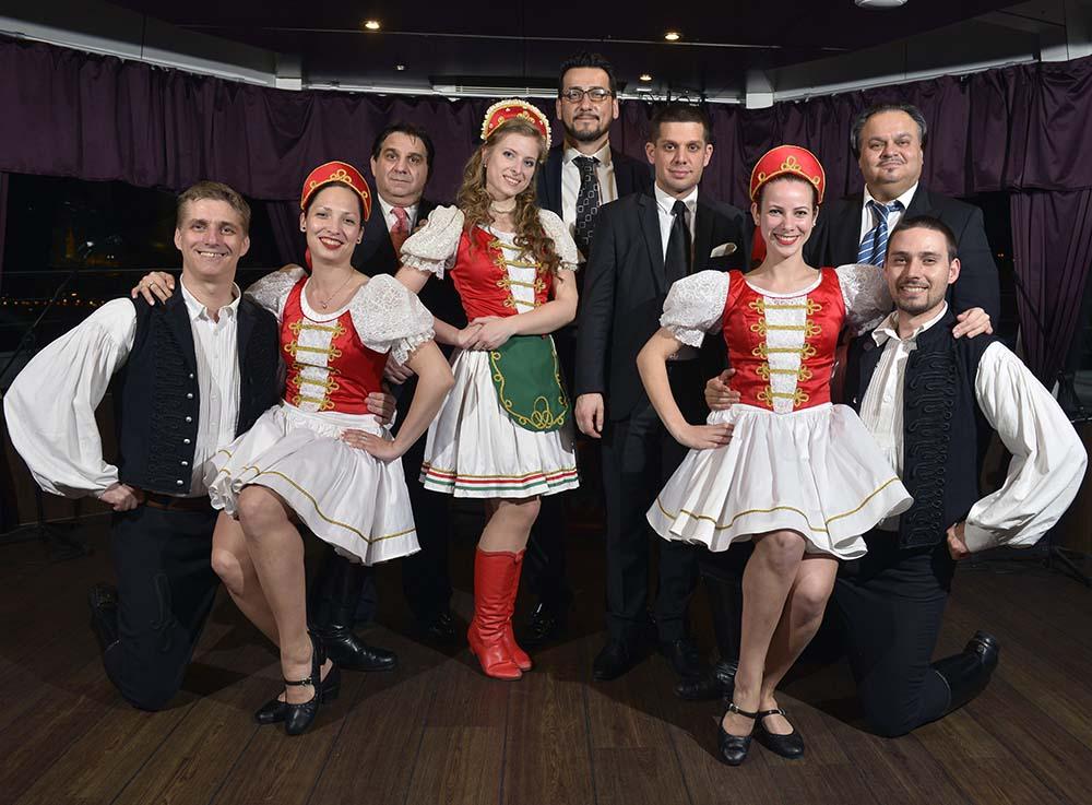 magyar folklor vacsora